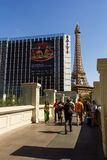 Tourist walking next to landmarks of Las Vegas Royalty Free Stock Photos