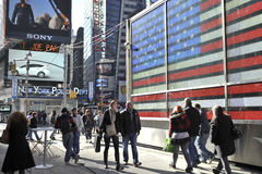 Tourist walking in Time Square, new York city Royalty Free Stock Photos