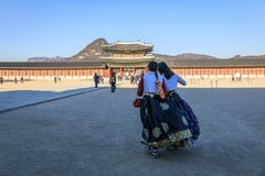 Tourist wearing Hanbok at Gyeongbokgung place Royalty Free Stock Photography