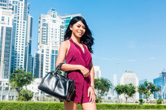 Tourist woman on city vacation in Dubai Royalty Free Stock Photos