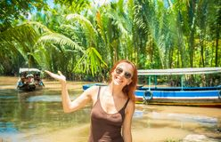 Touriste à la croisière de delta du Mékong Photo stock