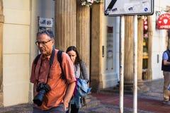Touriste avec une cam image libre de droits