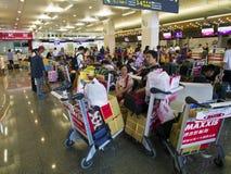 Touriste dans l'aéroport de Taïpeh Songshan Image libre de droits