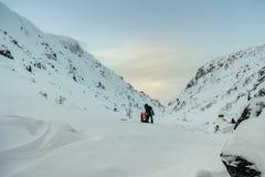 Touriste dans le Russe Laponie, Kola Peninsula Photo libre de droits