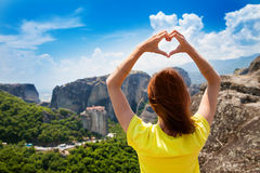 Touriste de Meteora MonasteriesBeautiful à l'arrière-plan Photos libres de droits