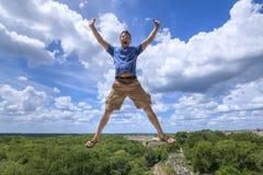 Touriste enthousiasmé dans la culture de Maya Images stock
