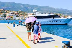 Touristen in Aegina-Insel - Griechenland Lizenzfreies Stockfoto