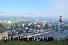 Touristen auf der mittelalterlichen Festung Stockfotografie