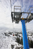 Touristen auf einem Skiaufzug Lizenzfreie Stockfotografie