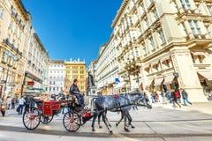 Touristen auf Graben-Straße, eine der berühmtesten Straßen von Wien, Österreich Lizenzfreie Stockbilder