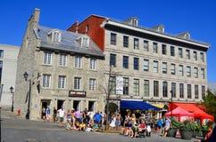 Touristen auf Jacques Cartier-Platz Lizenzfreies Stockfoto
