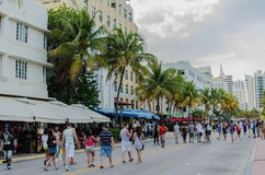 Touristen auf Straße Stockfoto