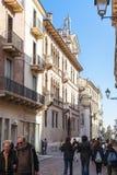 Touristen auf Straße Corso Andrea Palladio lizenzfreie stockfotos