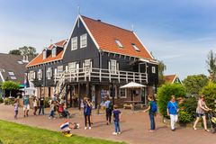 Touristen, die einen Sightseeing-Tour in Marken tun Stockfoto