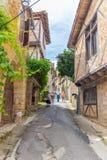 Touristen, die Heiliges-Cirq-Lapopie in Frankreich besuchen Stockfotos