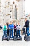 Touristen, die Segway-Besichtigung haben Lizenzfreies Stockfoto