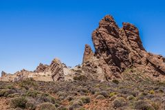 Touristen an GarcÃa-` s Felsen, Nationalpark Teide, Teneriffa, Kanarische Inseln, Spanien lizenzfreie stockfotos