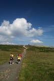 Touristen, Gebirgslandschaft Lizenzfreie Stockfotografie
