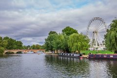 Touristen im Boot, Stratford nach Avon, William Shakespeare-` s Stadt, West Midlands, England stockbilder