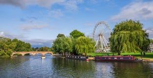 Touristen im Boot, Stratford nach Avon, William Shakespeare-` s Stadt, West Midlands, England lizenzfreies stockbild