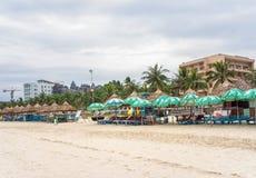 Touristen im China-Strand im Da Nang Lizenzfreies Stockbild