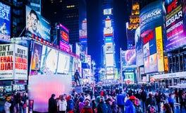 Touristen im Times Square Lizenzfreie Stockfotos