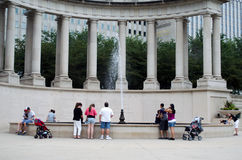 Touristen am Jahrtausendpark Lizenzfreies Stockfoto
