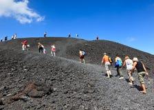 Touristen an Mt. Ätna, Italien - 24. August 2010 Lizenzfreies Stockbild