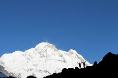 Touristen in niedrigem Lager Annapurna lizenzfreie stockbilder