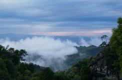 Touristenattraktion mit netten Wolken Lizenzfreie Stockfotos