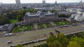Touristenattraktion in Vogelperspektive Brüssels Royal Palace, Parade stock footage