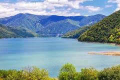 Touristenattraktionen von Georgia Das Reservoir von Zhinvali Lizenzfreies Stockfoto