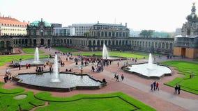 Touristenattraktionsstandort Royal Palace Zwinger Dresden, Stadtrundfahrt stock video