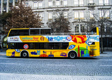 Touristenbus in Portugal Lizenzfreie Stockfotos