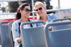 Touristenbusstadt Stockbild