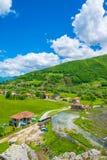 Touristenreise auf den Gebirgsstraßen von Montenegro Lizenzfreie Stockfotos