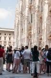 Touristes à Milan Photos libres de droits