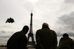 Touristes à Paris Photographie stock libre de droits