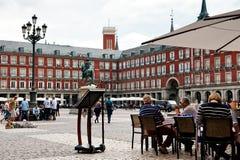 Touristes au maire de plaza Photo libre de droits