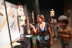 Touristes au musée de Louxor - Egypte Photographie stock