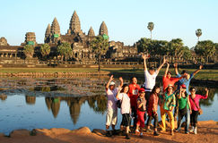 Touristes chez Angkor image stock
