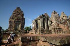 Touristes chez Angkor Vat, Cambodge Photos libres de droits