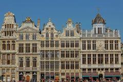 Touristes chez Grand Place à Bruxelles, Belgique Photos stock