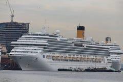 20.000 touristes débarquent des bateaux transatlantiques en Rio de Jan Images libres de droits