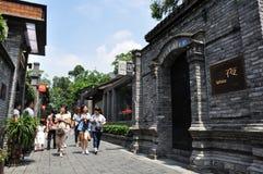 Touristes dans la ruelle de Zhai de Chengdu photographie stock