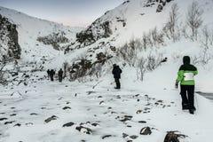 Touristes dans le Russe Laponie, Kola Peninsula Photographie stock libre de droits