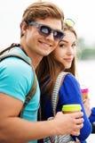 Touristes de couples dans une ville Photos stock