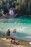 Touristes de lac, de nature et de personnes de loisirs Saigné, la Slovénie photo libre de droits