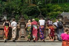 Touristes de temple Images stock