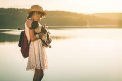 Touristes féminins en belle nature Images libres de droits